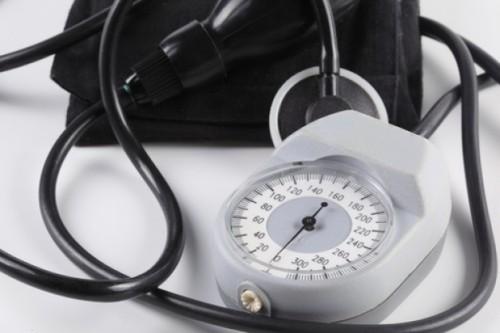 Tonometro-salud-hospital-de-alta-presion_3212636